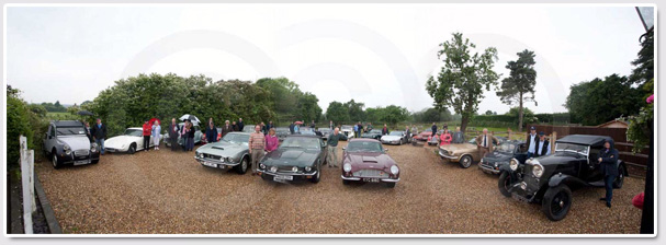 Cars assembled at the Queen's Head, pre-start, 2009